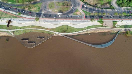 Guaíba Orla Urban Park / Jaime Lerner Arquitetos Associados