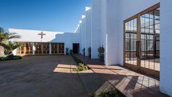 Nueva Parroquia San Juan Evangelista / Joannon Arquitectos