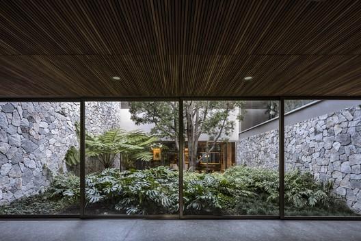 Casa VR / Alexanderson Arquitectos