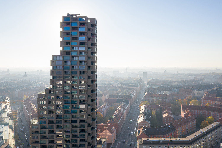 OMA's Latest Fails to Live Up To Its Own Pedagogy, The first tower of OMA's Norra Tornen project. Image © Laurian Ghinitoiu via Metropolis Magazine