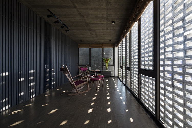 A House in Dong Tao / i.House Architecture and Construction, © Hiroyuki Oki