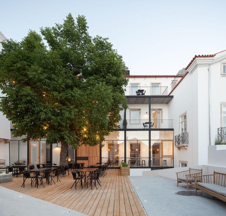 Hotel in Coimbra / depA , © José Campos