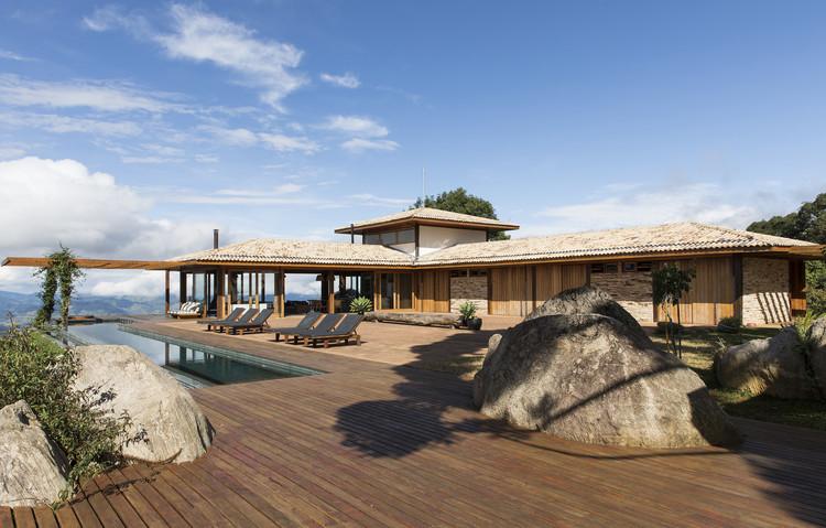 Casa da Montanha / Sabella Arquitetura, © Maíra Acayaba