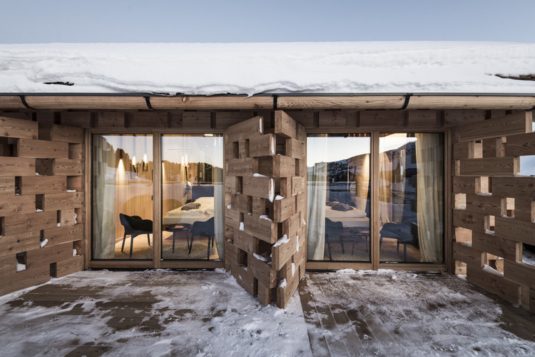 A Hotel at High Altitude / noa* network of architecture, © Alex Filz