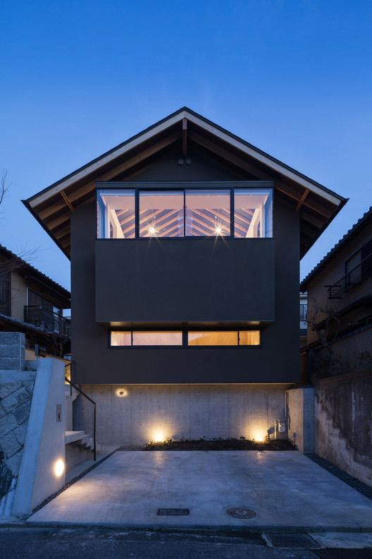 House in Takatsuki / Shogo ARATANI Architect & Associates