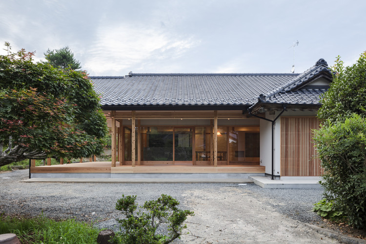 A Long House / Life Style Koubou | ArchDaily