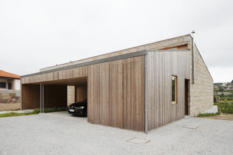 Casa hermana / Balthazar Aroso Arquitectos, © Tiago Casanova