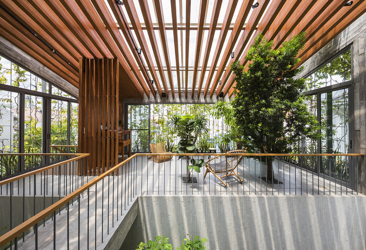 Residência entre jardins / VTN Architects, © Hiroyuki Oki