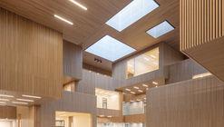 Binnenkijken in de amsterdamse loft van interieurontwerper saar