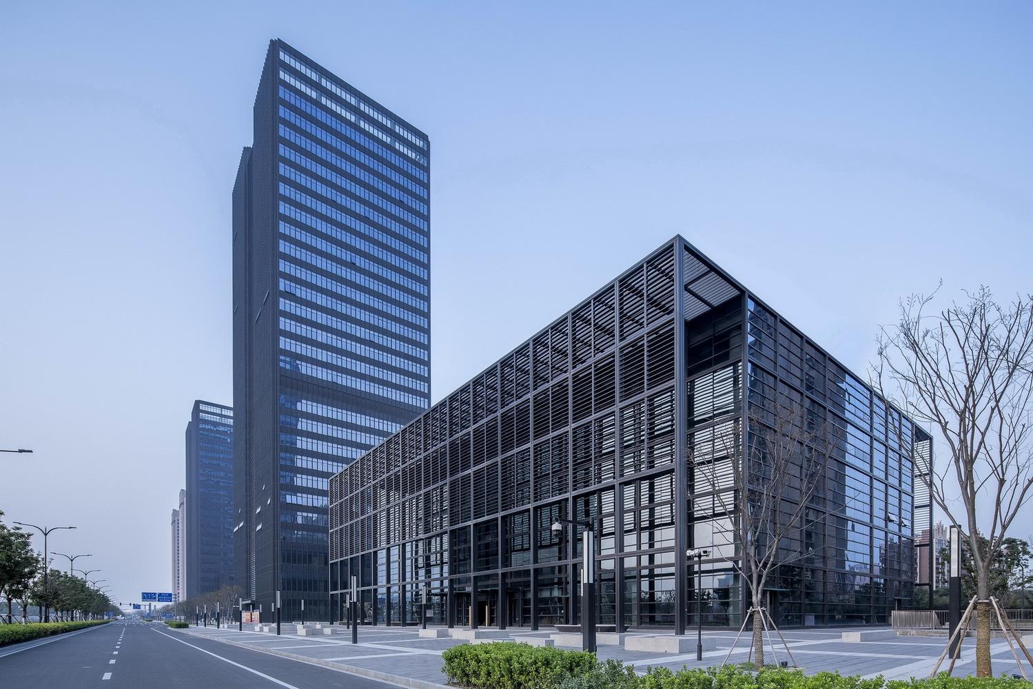 Kunshan Sports Center: Kunshan Financial Street Phase I Complex / FTA Group GmbH