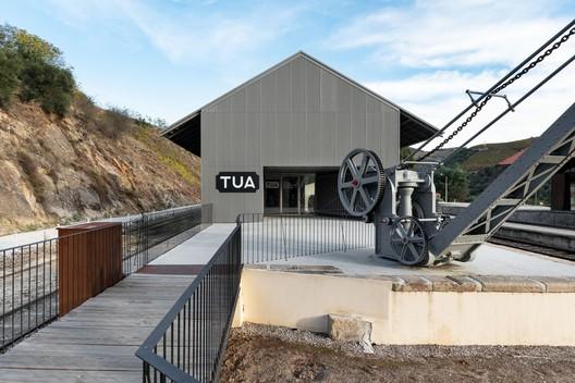 Tua Valley Interpretive Centre / Rosmaninho+Azevedo Arquitectos