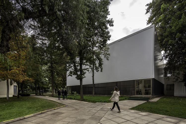 Gimnasio JMG / Gerardo Valle Arquitectos, © Aryeh Kornfeld