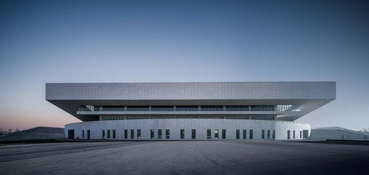 East side of the Gymnasium. Image © Qingshan Wu
