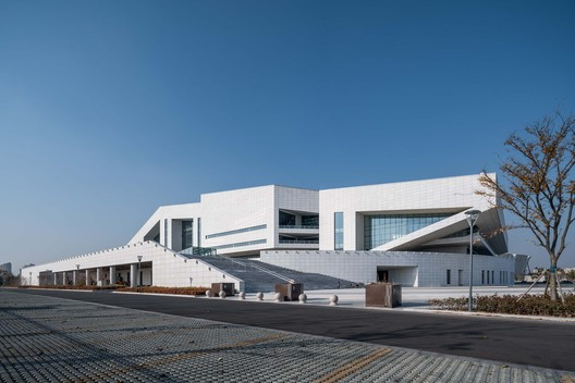 South side of the Gymnasium. Image © Qingshan Wu