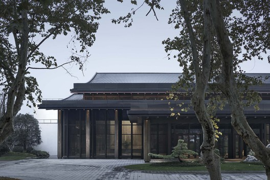 Partial View of the South Elevation of Multi-Purpose Hall. Image © Qiang Zhao