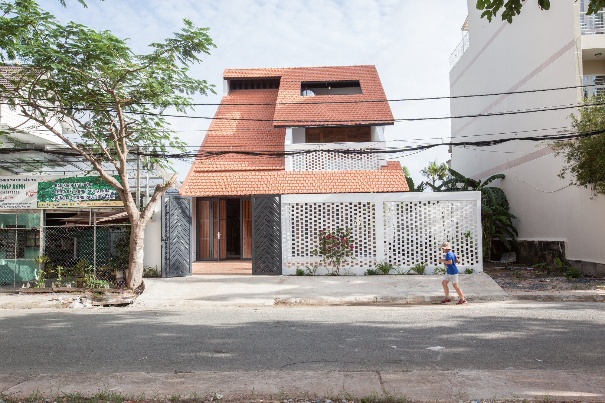Tile Roof House K59 Atelier Archdaily