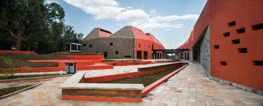 Jules Toulet. ImageFaculdade de Arquitetura e Desenho Ambiental / Patrick Schweitzer & Associés