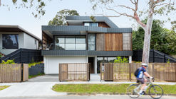 Kew East House / Jost Architects