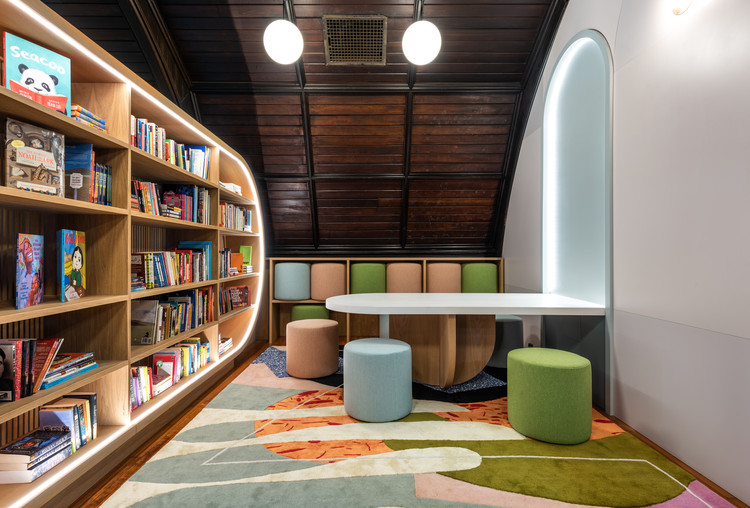 Children's Library at Concourse House / Michael K. Chen Architecture, © Alan Tansey