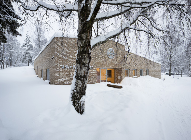 Tanum Parish Center / Longva arkitekter , © Ivan Brodey
