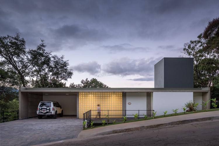 Jambreiro House / Marcos Franchini + Flávia Lutkenhaus, © Gabriel Castro / Reverbo
