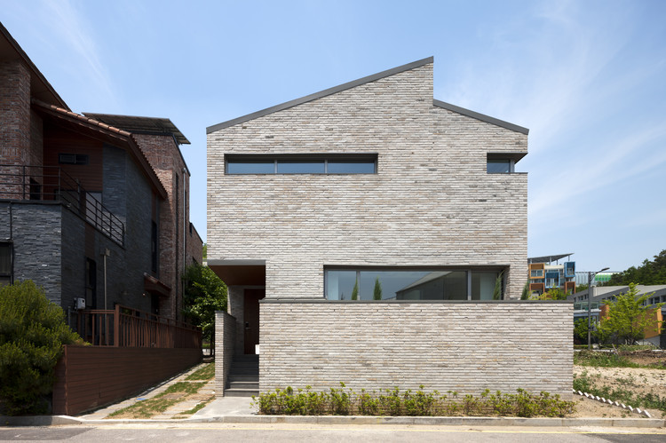 Brick House in Unjung-dong / Architects601, © Young-Chae Park
