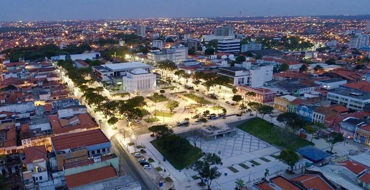 Concluída primeira etapa das obras de requalificação da Rua Grande, em São Luís do Maranhão, Vista aérea do Complexo Deodoro, em São Luís (MA). Foto: Meireles Jr.. Cortesia de Iphan