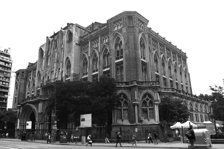 Facultad de Ingeniería en Buenos Aires: neogótica e inacabada, Facultad de Ingeniería. Sede Las Heras. Image © Mariana Etulain
