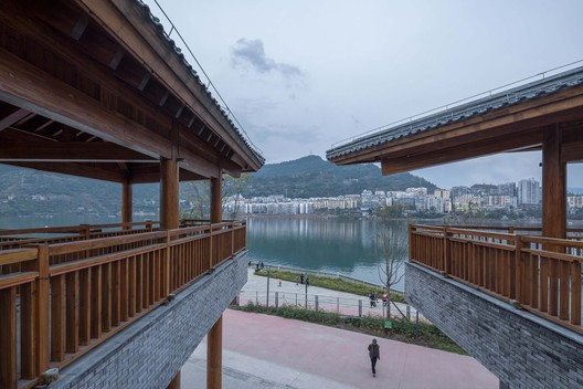 The openning facing Pengxi river. Image © Arch-Exist