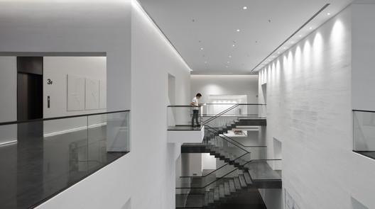 3F aisle. Image © Yuchen Chao