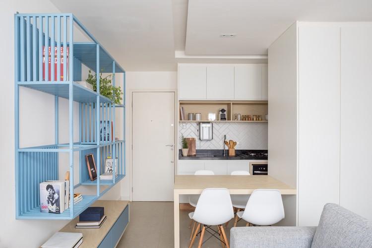 Apartamento AB / Traama Arquitetura, © Haruo Mikami