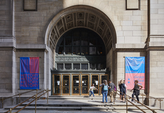 Chicago Cultural Center, the hub of activities for the local Biennial. Image © Tom Harris