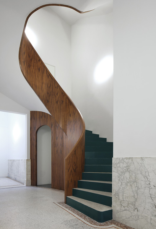 Refurbishment of 3 Historical Buildings / Bovenbouw + Barbara Van Der Wee Architects