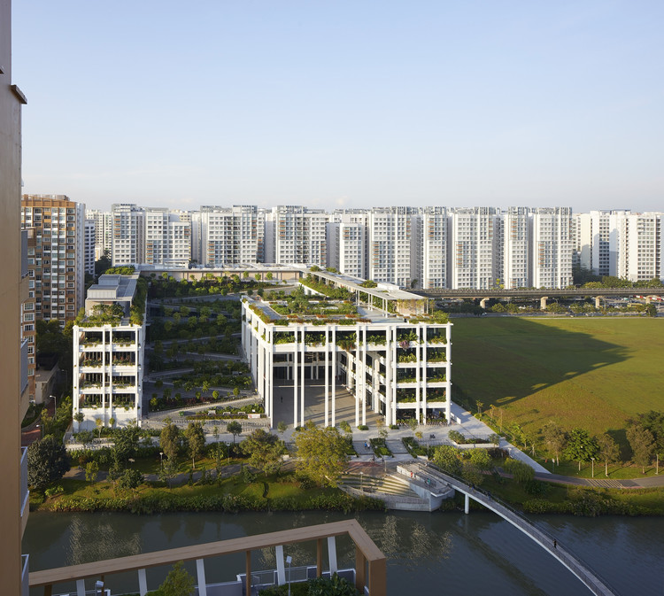 Clínica e Centro Comunitário Punggol / Serie Architects + Multiply Architects, © Hufton + Crow