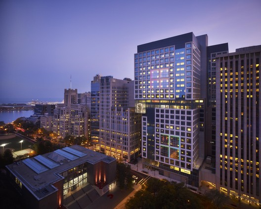 Ann & Robert H. Lurie Children's Hospital of Chicago / ZGF Architects + Solomon Cordwell Buenz + Anderson Mikos Architects