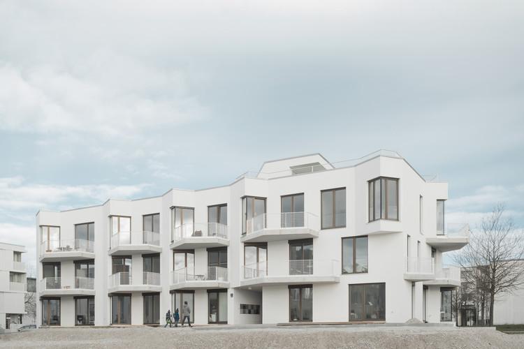 Wohnen ohne Auto / Pool Leber Architekten, © Brigida González