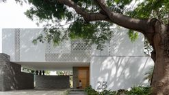 Residência La Blanca / Di Frenna Arquitectos