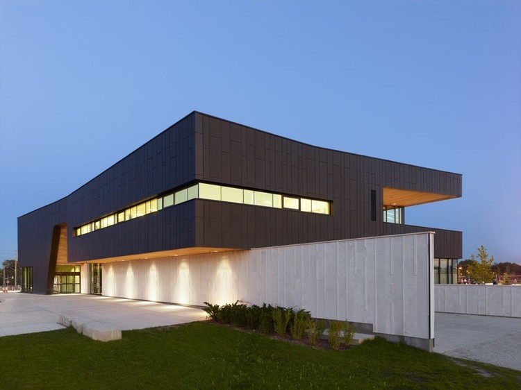 Chinguacousy Park Redevelopment / MacLennan Jaunkalns Miller Architects. Image © Shai Gil