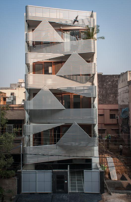Apartments @ 143 / Plan Loci