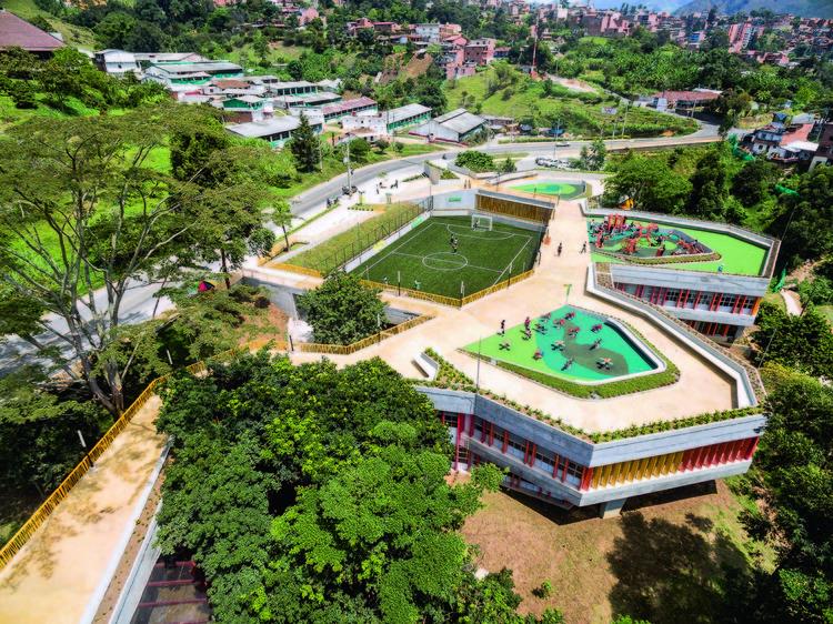 10 obras diseñadas en laderas, pendientes y zonas montañosas en Colombia, UVA El Paraíso / EDU. Image © Alejandro Arango