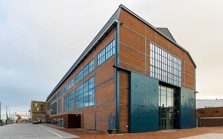 Centro de Atendimento Residencial Scheldehof  / Atelier PRO architects, © Petra Appelhof