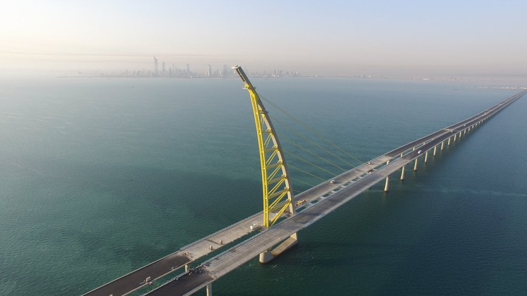 World's Longest Bridge Nears Completion in Kuwait, Sheikh Jaber Al-Ahmad Al-Sabah Causeway. Image Courtesy of Hyundai E&C