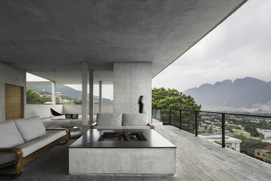 15 Mexican Projects that Use Terraces as Design Elements