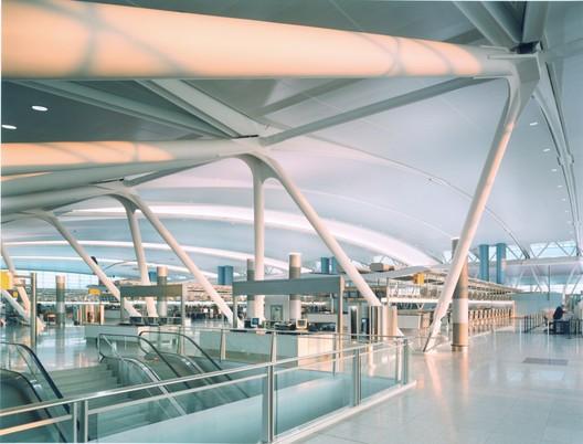 John F. Kennedy International Airport ? Terminal 4 / SOM