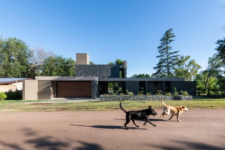 Casa Cándida / Karlen + Clemente, © Gonzalo Viramonte