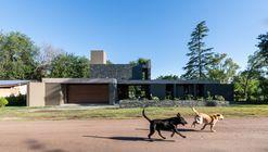 Casa Cándida / Karlen + Clemente