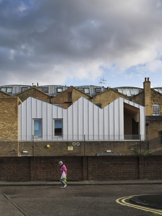 6 Broadway Market Mews / Delvendahl Martin Architects, © Tim Crocker