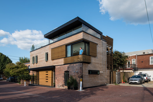 Walker Court    / Demian/Wilbur/Architects