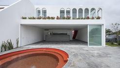 Casa Langosta / Martín Dulanto Arquitecto