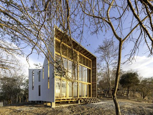 Casa Don Juan / Emilio López Arquitecto